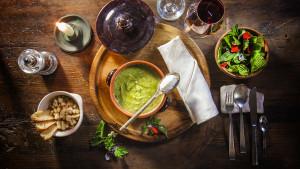 Primi dell'Agriturismo Bon Tajer - Zuppa alle erbe spontanee e panna acida